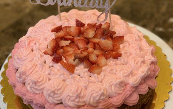 ORGANIC - GLUTEN-FREE Vegan Vanilla/Strawberry Cake